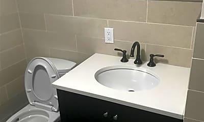 Bathroom, 53 Main St, 1