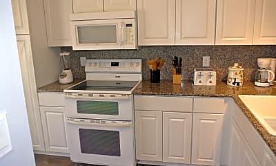 Kitchen, 416 Sailfish Ave, 1