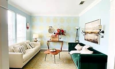 Living Room, 400 Moss Hill Rd, 1