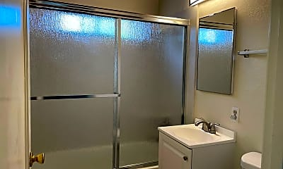 Bathroom, 43 Atlas Ave, 2