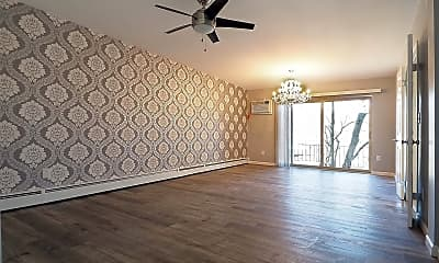 Living Room, 2935 Marshall Ave, 1