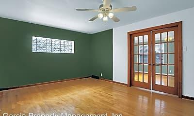 Living Room, 4957 Miami St, 1
