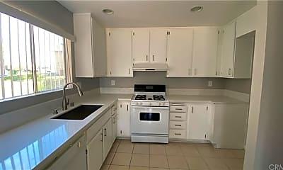 Kitchen, 640 W Lambert Rd 38, 1