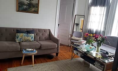 Living Room, 530 W Armitage Ave, 1