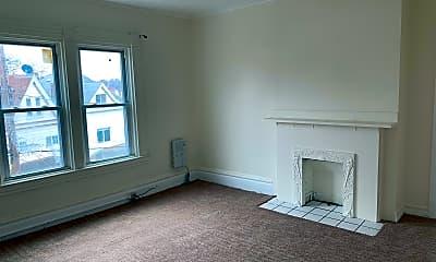 Living Room, 232 Stamm Ave, 2