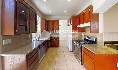 Kitchen, 5324 Shamrock Common, 1