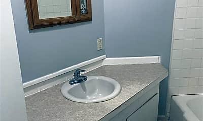 Bathroom, 900 Eureka St, 1