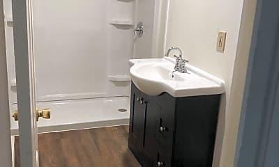 Bathroom, 16 Lafayette Pl, 1