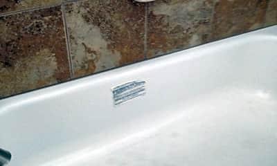 Bathroom, 2418 Stout St, 2