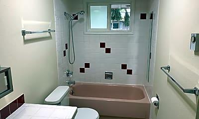 Bathroom, 1726 NE Hancock St, 2