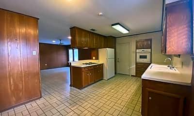 Kitchen, 2887 Cedarcrest Ave, 0