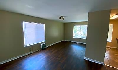 Living Room, 633 Morningview Dr, 1