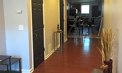 Living Room, 770 W Cross St, 1