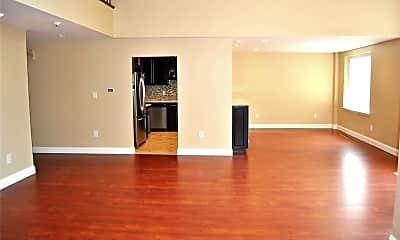 Living Room, 1 Ipswich Ave 327, 1