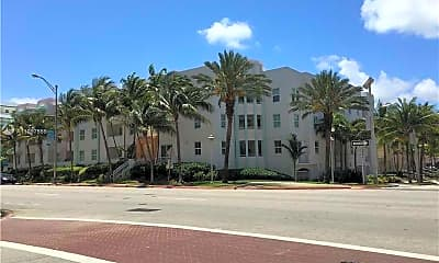 9172 Collins Ave 306, 1