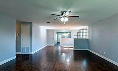 Living Room, 714 Ashford Ln, 1