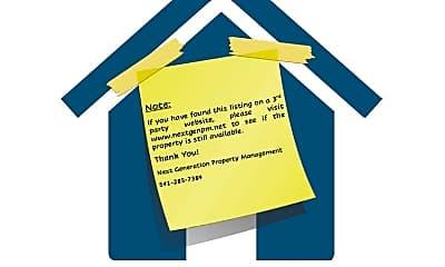 Building, 2485 Tyler St, 2