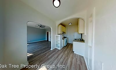 Building, 5460 Bancroft Ave, 1