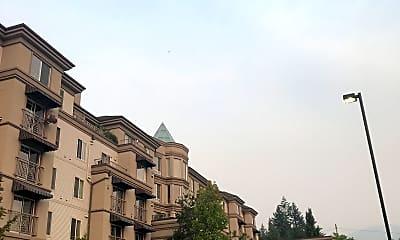 University House Issaquah, 2