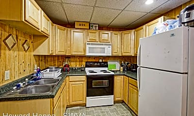 Kitchen, 2370 Walnut Ave, 1