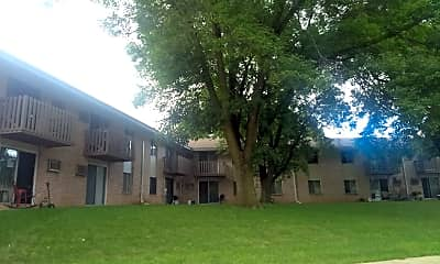 Marquette Highlands Apartments, 2