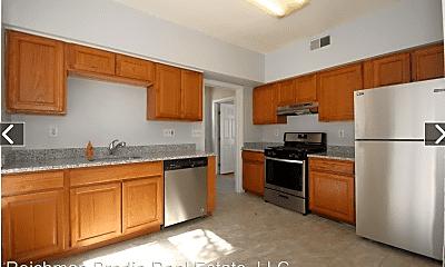Kitchen, 324 Winthrop Ave, 1