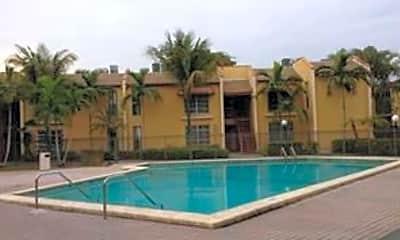 Pool, 4449 Treehouse Ln, 1