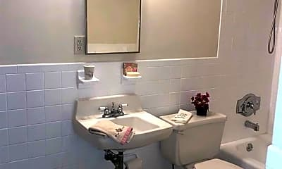 Bathroom, 2834 Atlantic Ave 702, 2