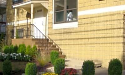 832 Atlantic Street Apartments, 1