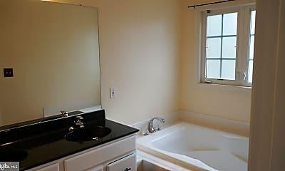 Bathroom, 10736 Folkestone Way, 2