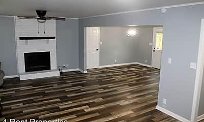 Living Room, 2121 Basham Ln, 1