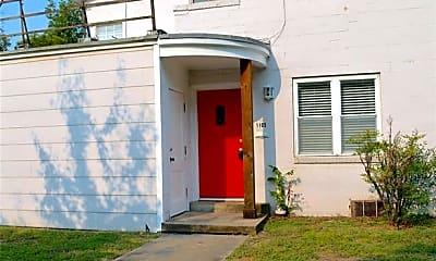 Building, 1105 N Austin St, 1