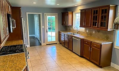 Kitchen, 492 Chase Street, 2