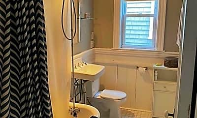 Bathroom, 22 Forest Hills St, 2