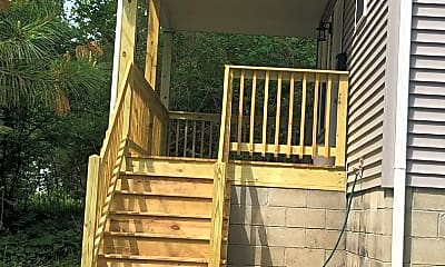 Patio / Deck, 1014 W Cottage Grove Ave, 1