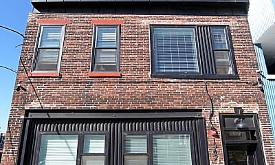 Building, 1342 N Marston St, 2