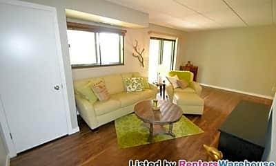Living Room, 3300 Louisiana Ave S, 1