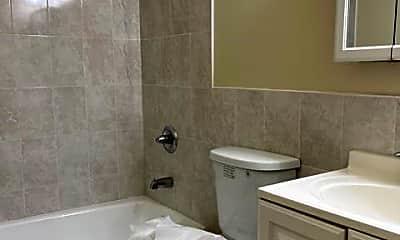 Bathroom, 220 Meadow Ln B9, 2