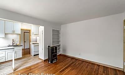 Living Room, 1535 Everett St, 0
