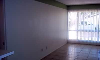 Living Room, 1701 W Tuckey Ln, 1