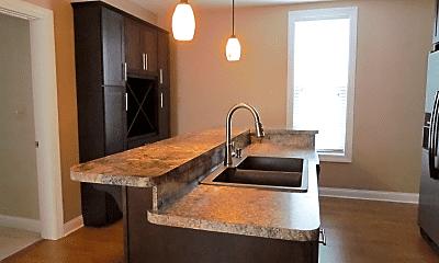 Kitchen, 129 W Sandusky St, 1