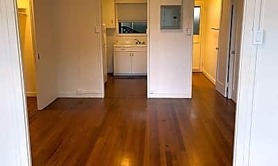Kitchen, 2734A Rooke Ave, 2