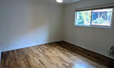 Living Room, 609 N Hayworth Ave, 2
