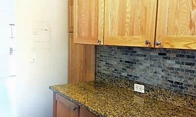 Kitchen, 114 E Mariposa St, 2