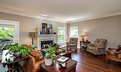 Living Room, 711 Arkland Pl, 1