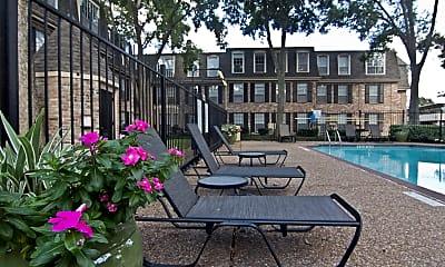 Courtyard, Brompton Court, 1