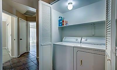 Bathroom, 4330 E Windmere Dr, 2