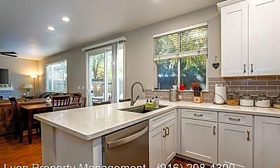 Kitchen, 517 Silverhorn Dr, 1