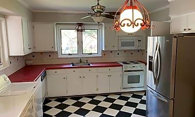 Kitchen, 209 N Canterbury Rd, 1