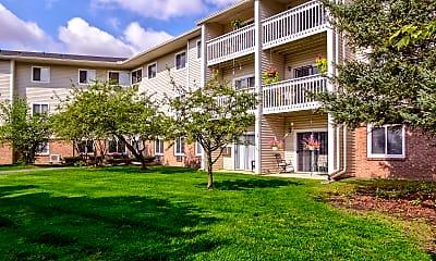 Building, Parkside of Livonia - Independent Senior Living, 0
